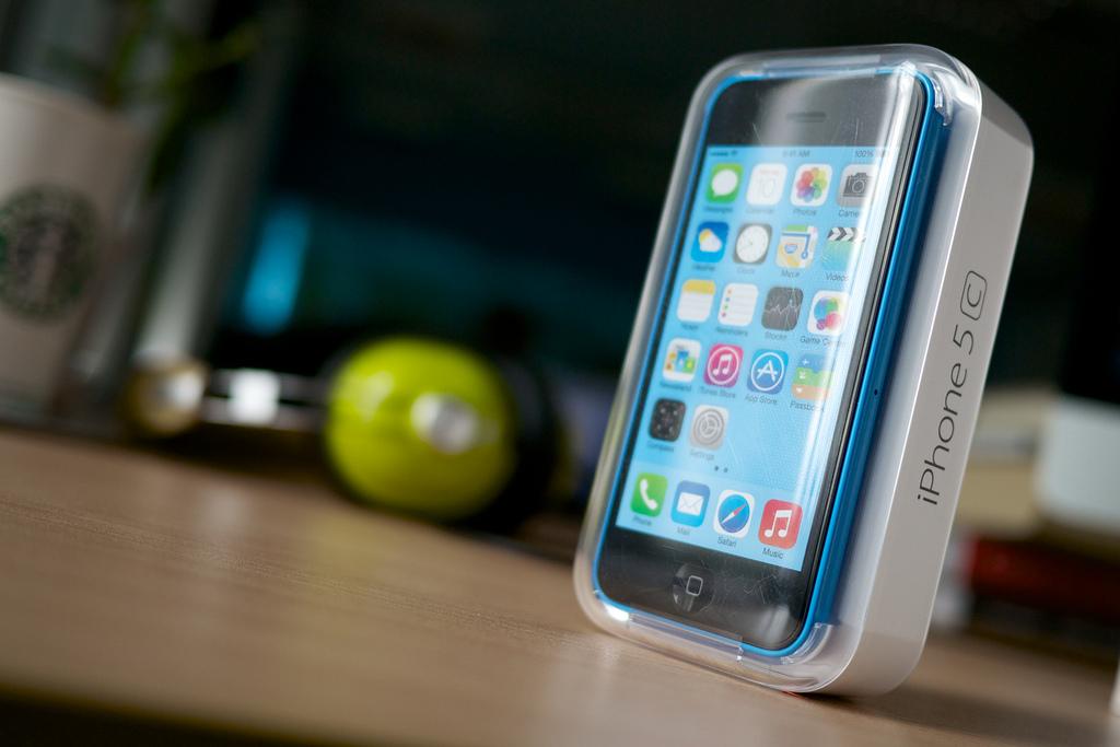 iPhone 5s、在庫薄ながらもiPhone 5cの2倍の売り上げを記録も、5cが売れていないわけではない?
