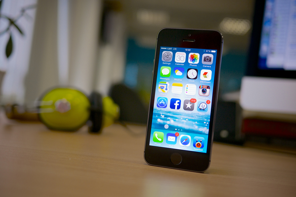 iPhoneの満足度調査で最も満足度が高いのは「画質の良さ」、最も不満なのは「バッテリーの持ち時間」に