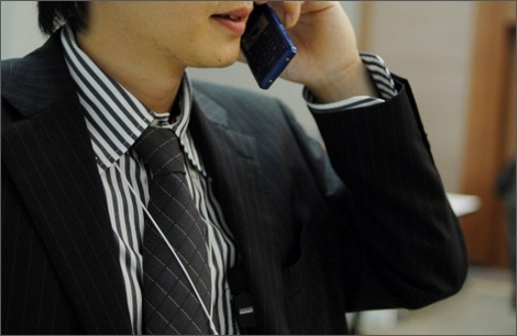 25日に発生したドコモの通信障害は通信設備の故障が原因。一部店舗では山手線遅延が影響と説明。