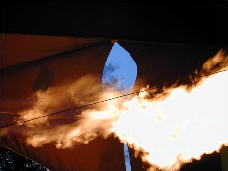 「GALAXY SⅢ」の発火事件の原因は電子レンジでの加熱が原因だった。