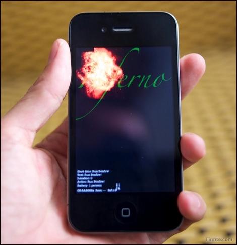iPhone 4G、Apple A4を搭載。メモリは256MB。