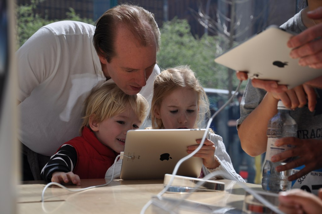 Apple、2014年後半に大型のディスプレイを搭載したiPadを教育市場向けに投入か