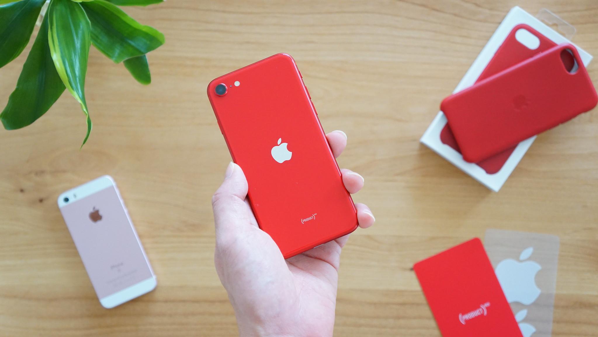 SIMフリー版「iPhone SE」がビックカメラで5000円オフセール
