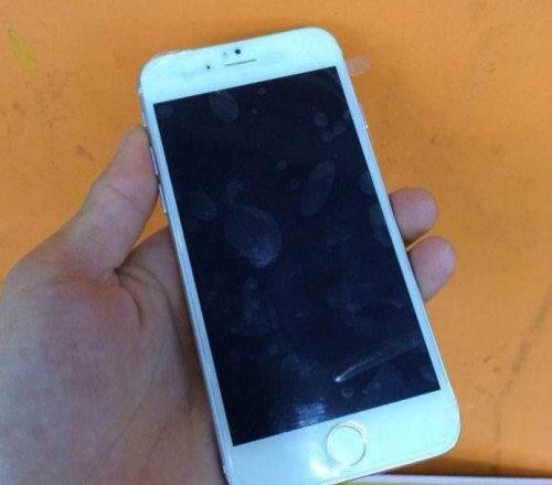 iPhone 6、シルバーカラーのモックアップ画像がリークーツートンカラーに変化も