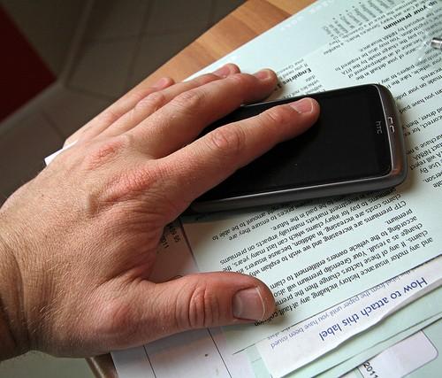 iPhone 5Sの指紋認証は画面ロック解除用、iPhone 5CはSiri非搭載とのウワサ