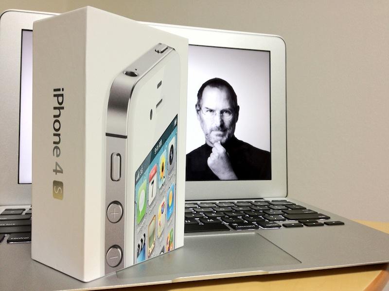 未だ売れ続けるiPhone4S。Appleにとって廉価版iPhone投入は必然なのかもかもしれない