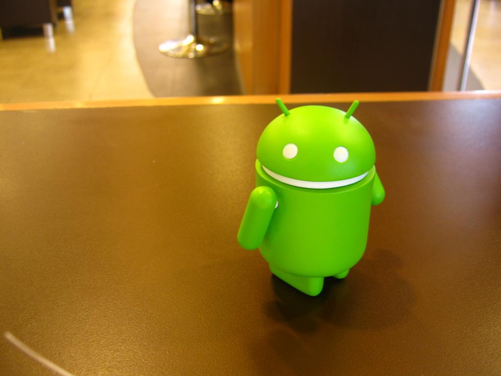 "Google、次期バージョンのAndroid ""L""を明日発表へ"