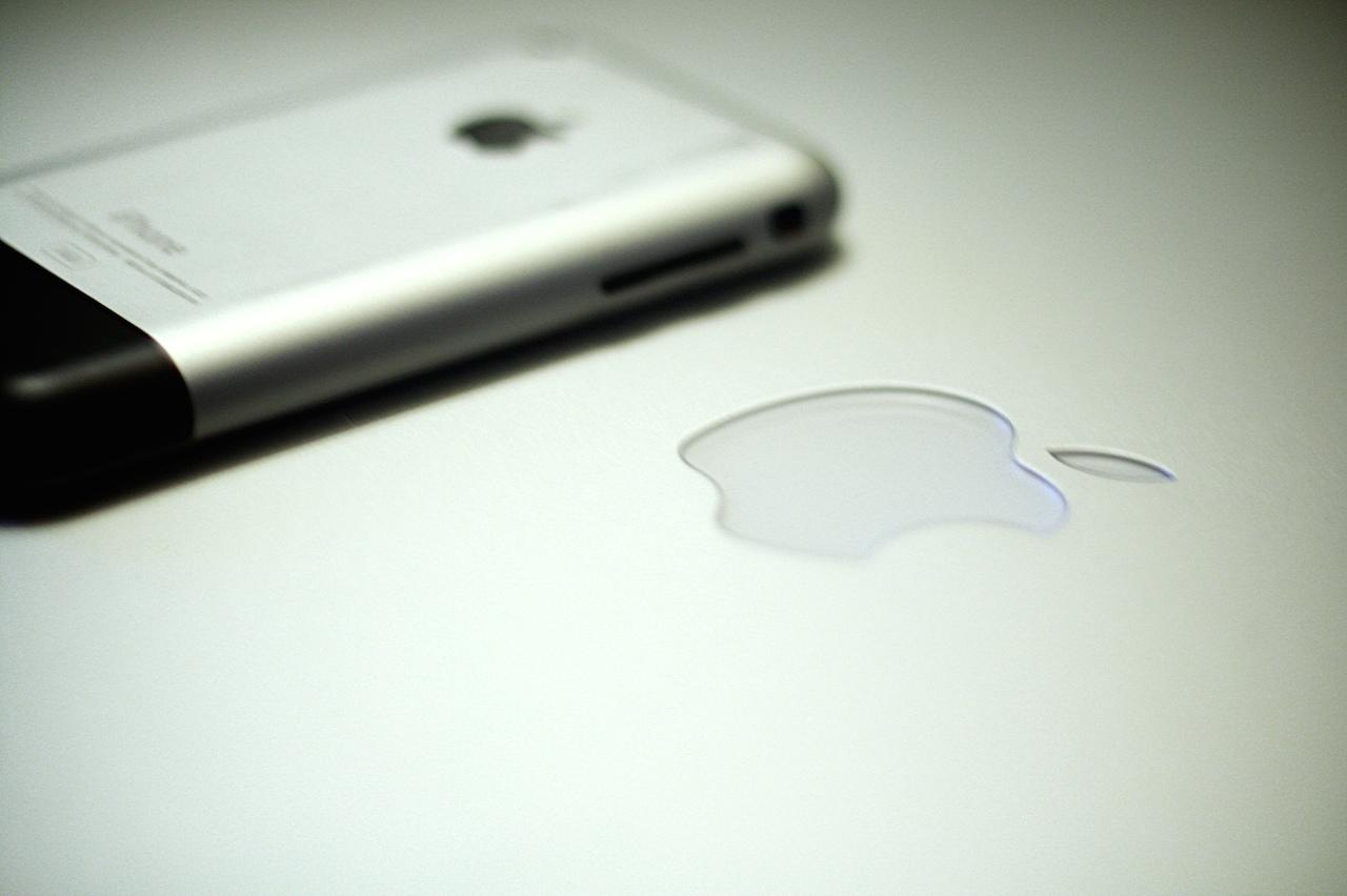 """iPhone 6のAppleロゴは傷つきにくい""""特別な素材""""にーNFC用でも、光るわけでもない様子"""