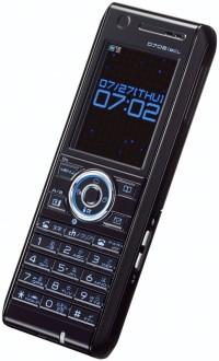 カメラなしのD702iBCLが発売へ。