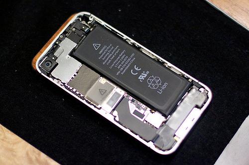 iOS6.1.1にてバッテリーの持ち時間が悪くなるとの報告があがるー孫さんどんまい!