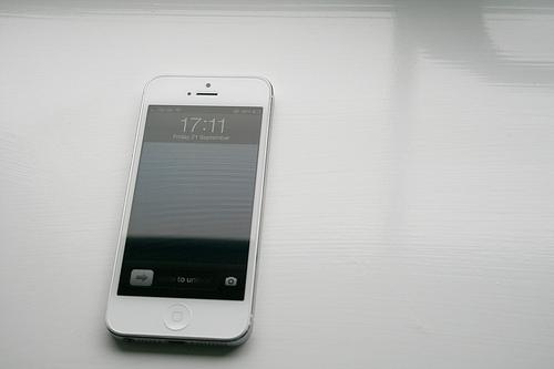 泥沼!iOS 6.1.3でもパスコードロックを回避できるバグがまたまた見つかる・・・