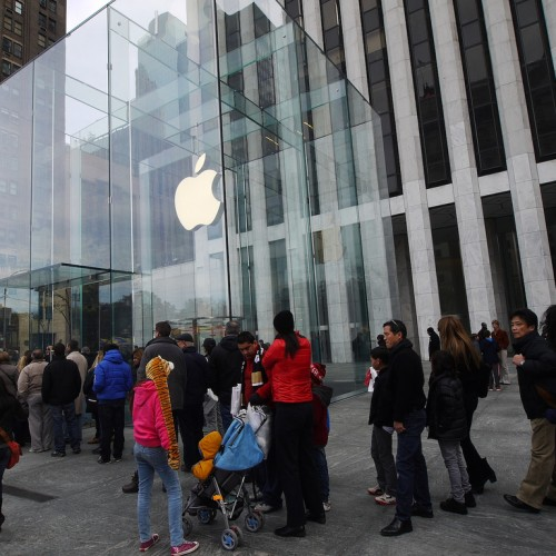 iPhone 6の発売日は8月に!?ー真夏の行列はヤバイ・・・