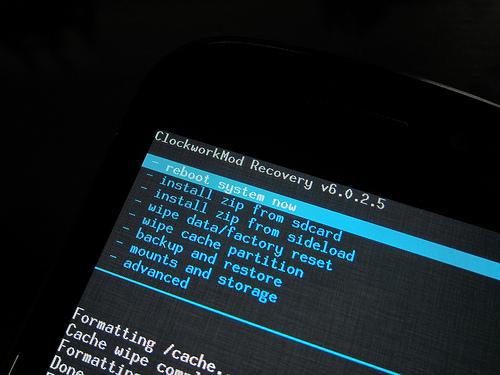 やばい!「Nexus S」が文鎮になった!