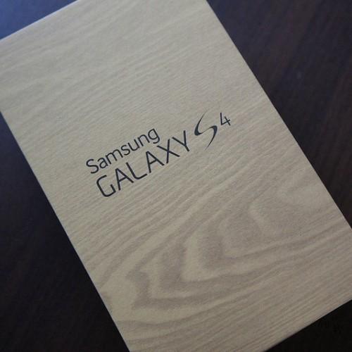 サムスン、GALAXY S4の今年度中の販売台数を最低100万台に設定し、Apple超えへ