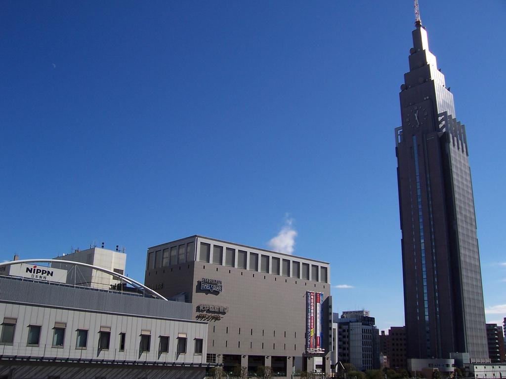 ドコモタワーの頂上にはまだ1度も使われたことのないアンテナが設置されているんだとか!