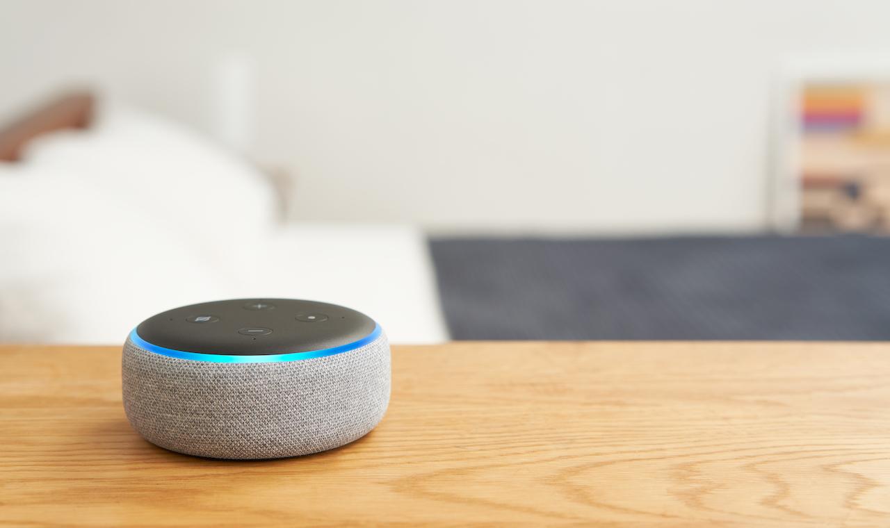 今日だけ、小型スマートスピーカー「Echo Dot」が33%オフに