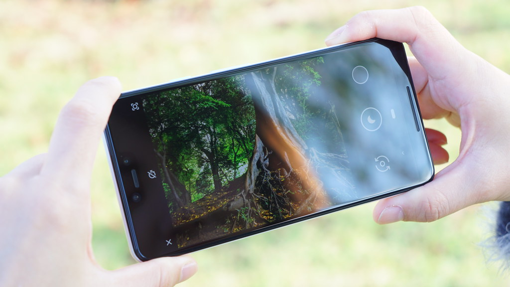 Android 11、標準カメラアプリの強制起動を強化