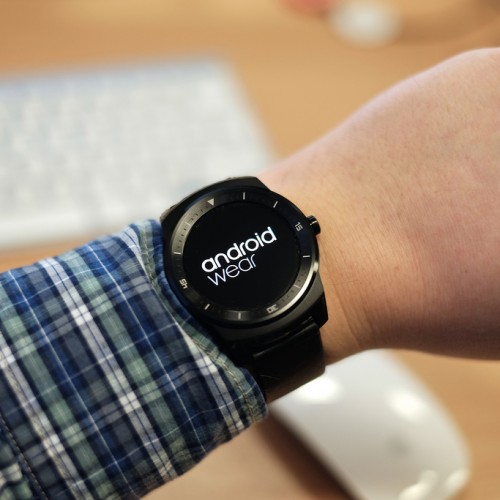 "Slow start for Android Wear-""EVERYTHINg Depends Now On The Apple"""