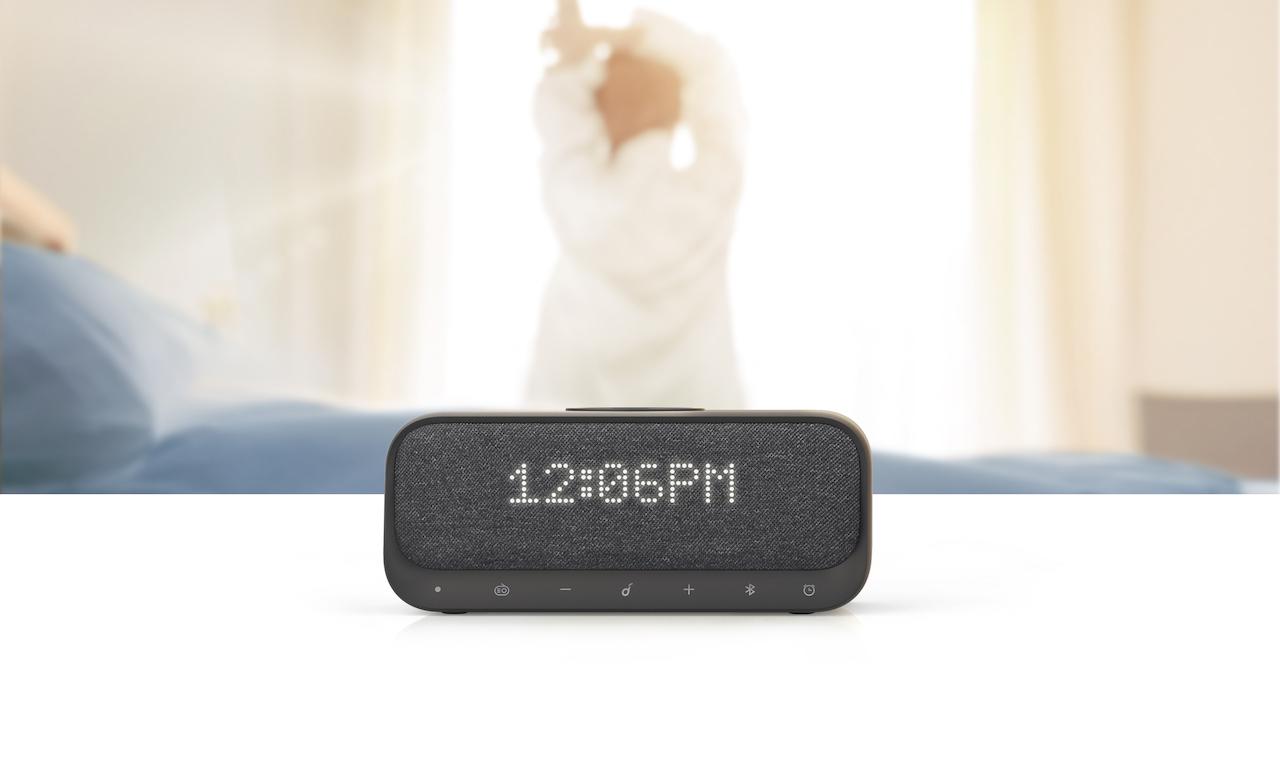 Anker、目覚まし・ワイヤレス充電・USBx2の4wayスピーカー「Wakey」発売。500個限定20%オフ