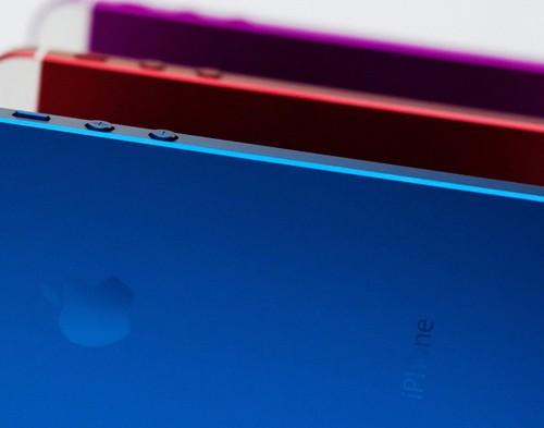 iPhone5Sに5色展開の噂が浮上。ピンクのガセ画像が現実のものに?