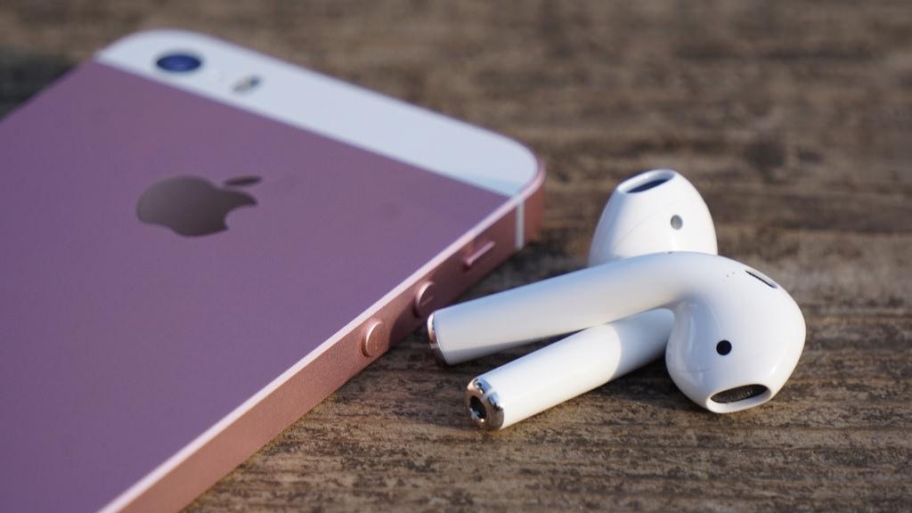 Apple、「AirPods」の出荷日を6週間→4週間に改善