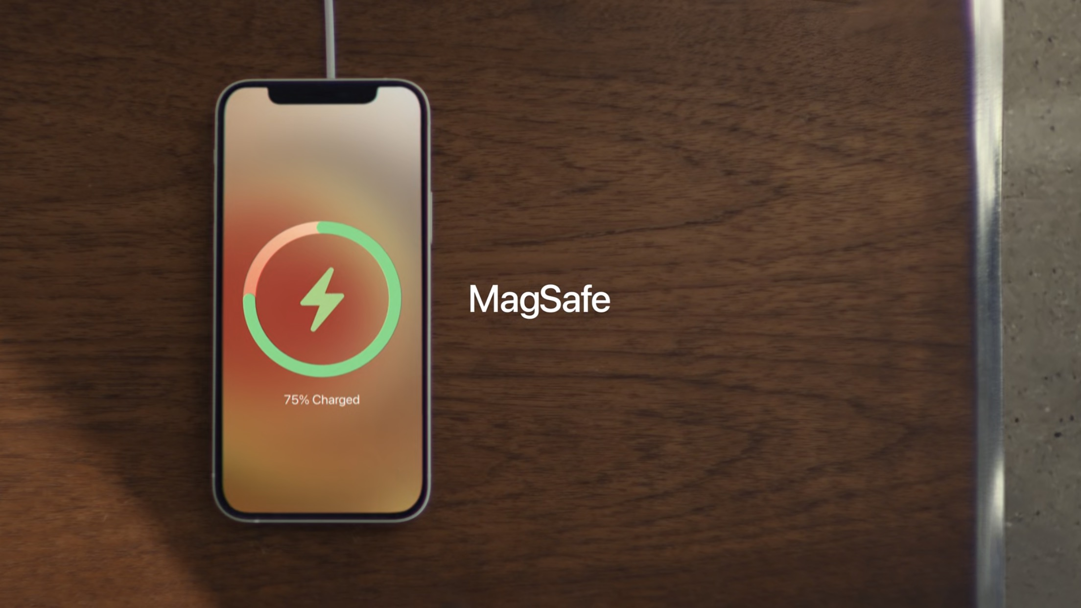 「MagSafe」、15W出力のワイヤレス充電器などアクセサリとして復活
