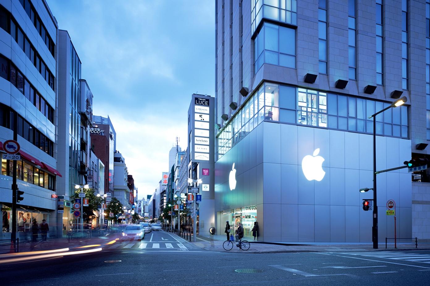 Apple福岡天神、新店舗への移転はまだまだ先?