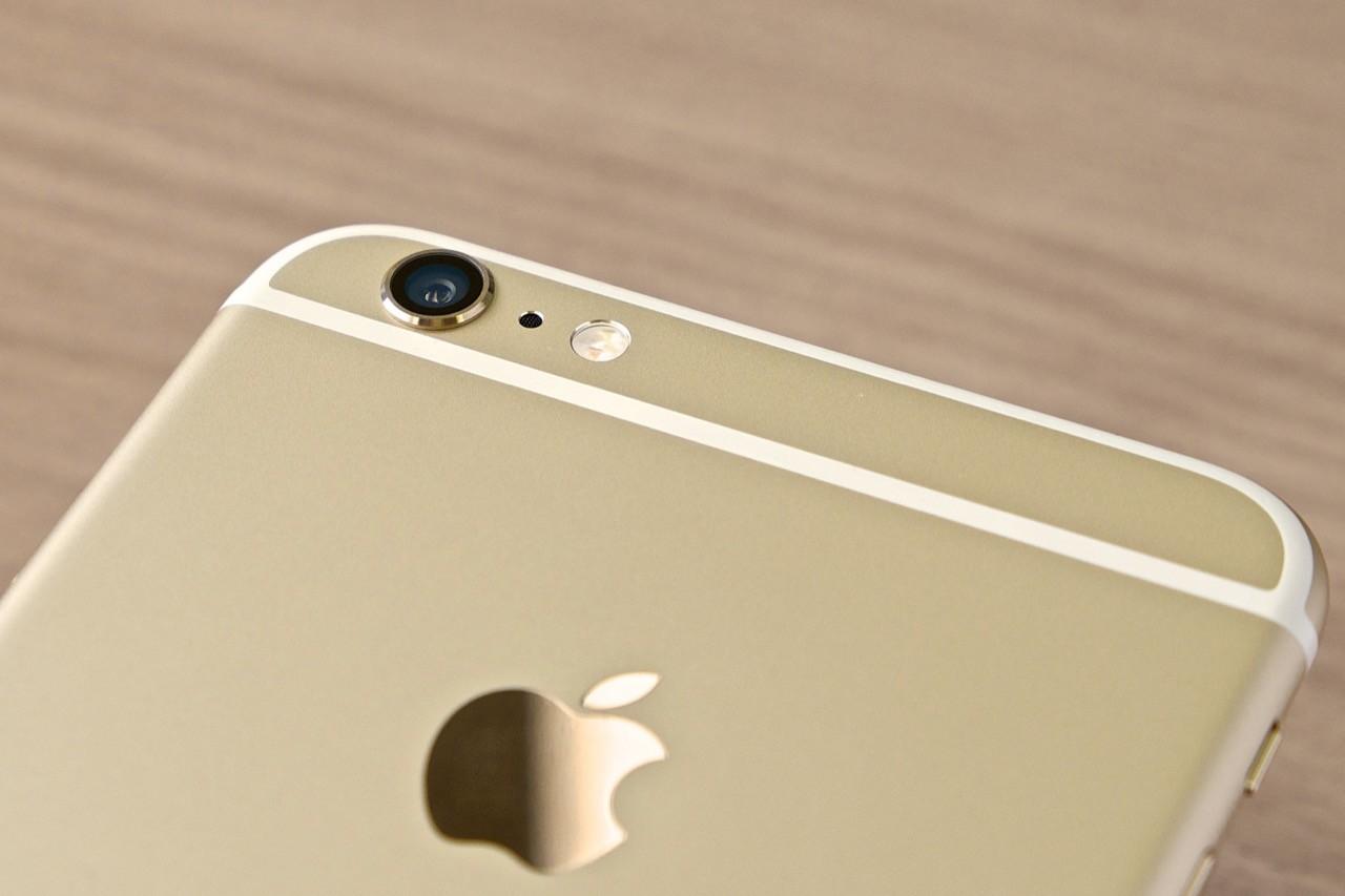 アップル、iPhone 6 Plusのカメラ交換プログラムを開始――写真がぼやける不具合が発覚