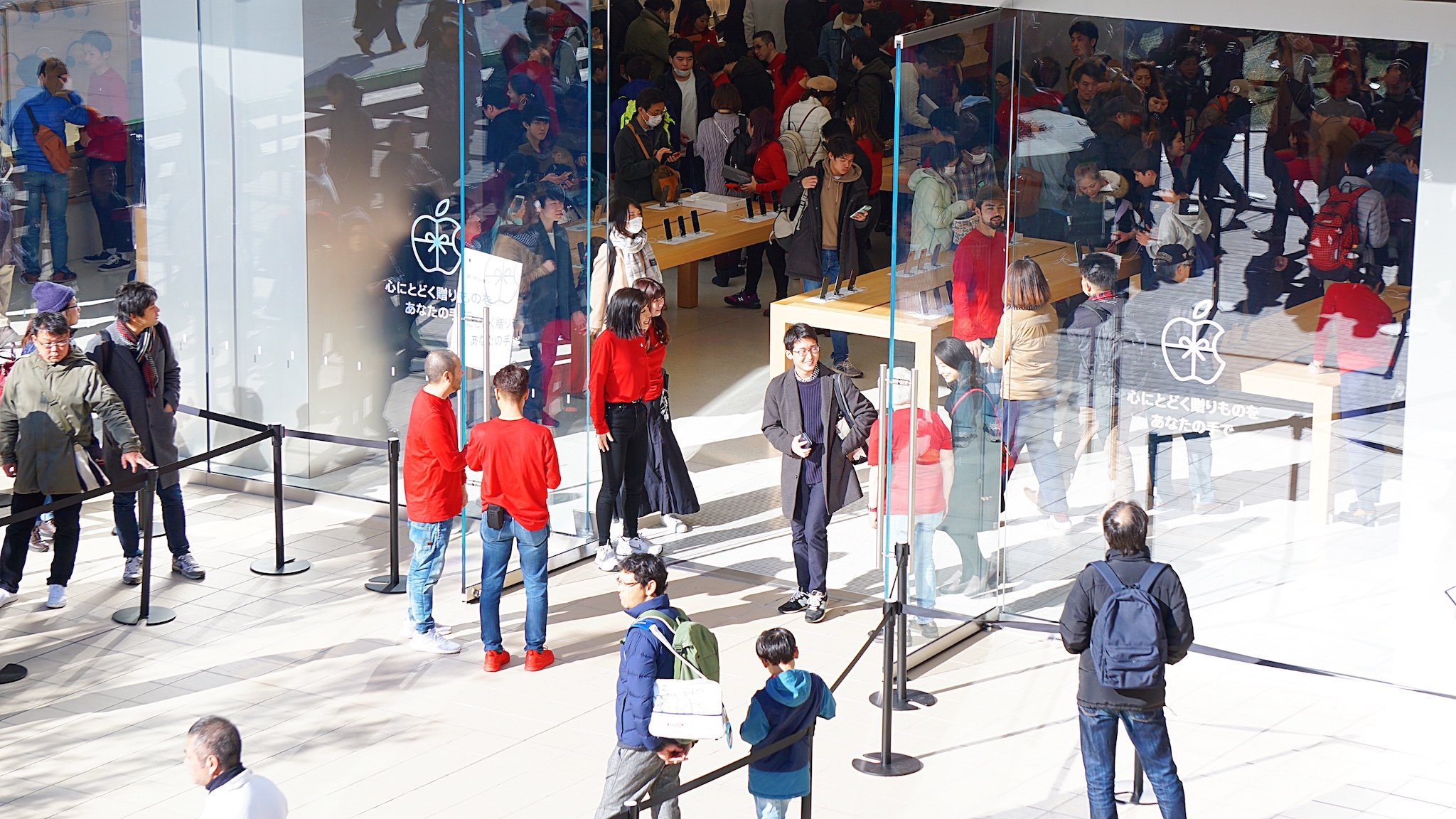 「Apple川崎」がオープン。1,600人超の行列、記念トートバッグ配布終了