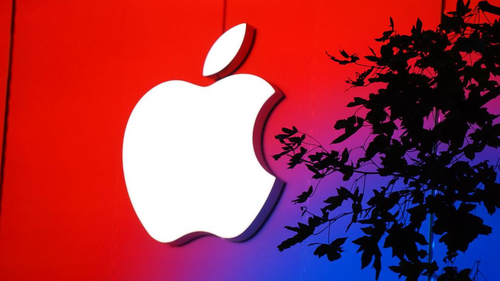 Apple渋谷、オープン前に巨大なイルミネーションとして姿を現す