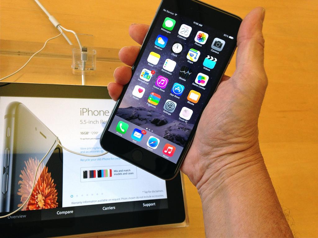 突如、SIMフリーのiPhone 6 / 6 Plusの販売が停止ーその理由を聞いてみた