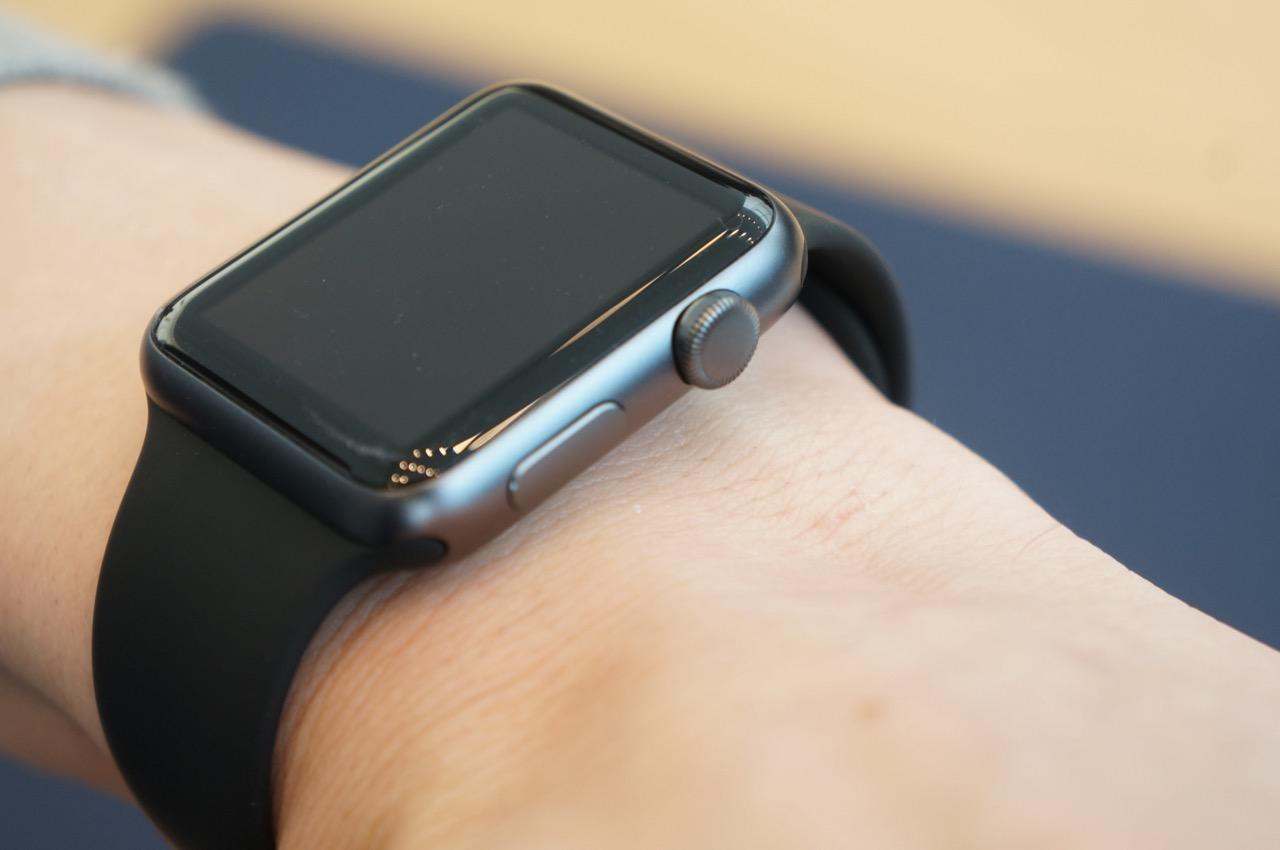 Apple Watchの公式ページから「4月24日発売」の記載が削除される、その理由とは?