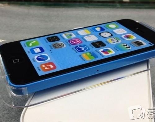 日本のキャリアがiPhone 5Cの販売検討との報道ー日本経済新聞