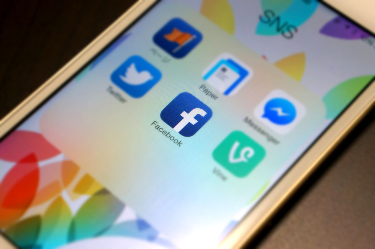 Facebookアプリで最新情報が表示されなくなった!対処方法を解説!