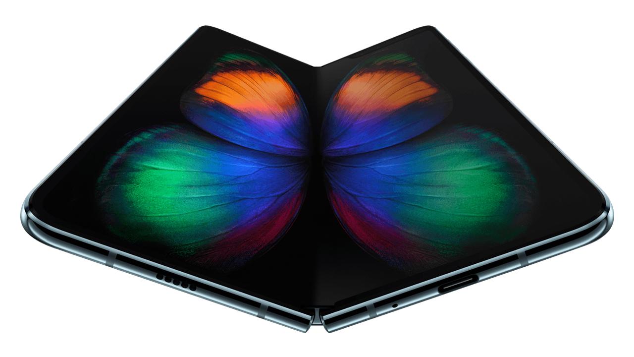 au独占販売、折りたたみスマホ「Galaxy Fold」の販売価格は24万円に