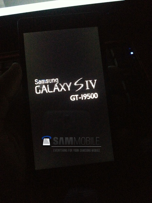 GALAXY S4の実機画像がリークー一部スペックも明らかに