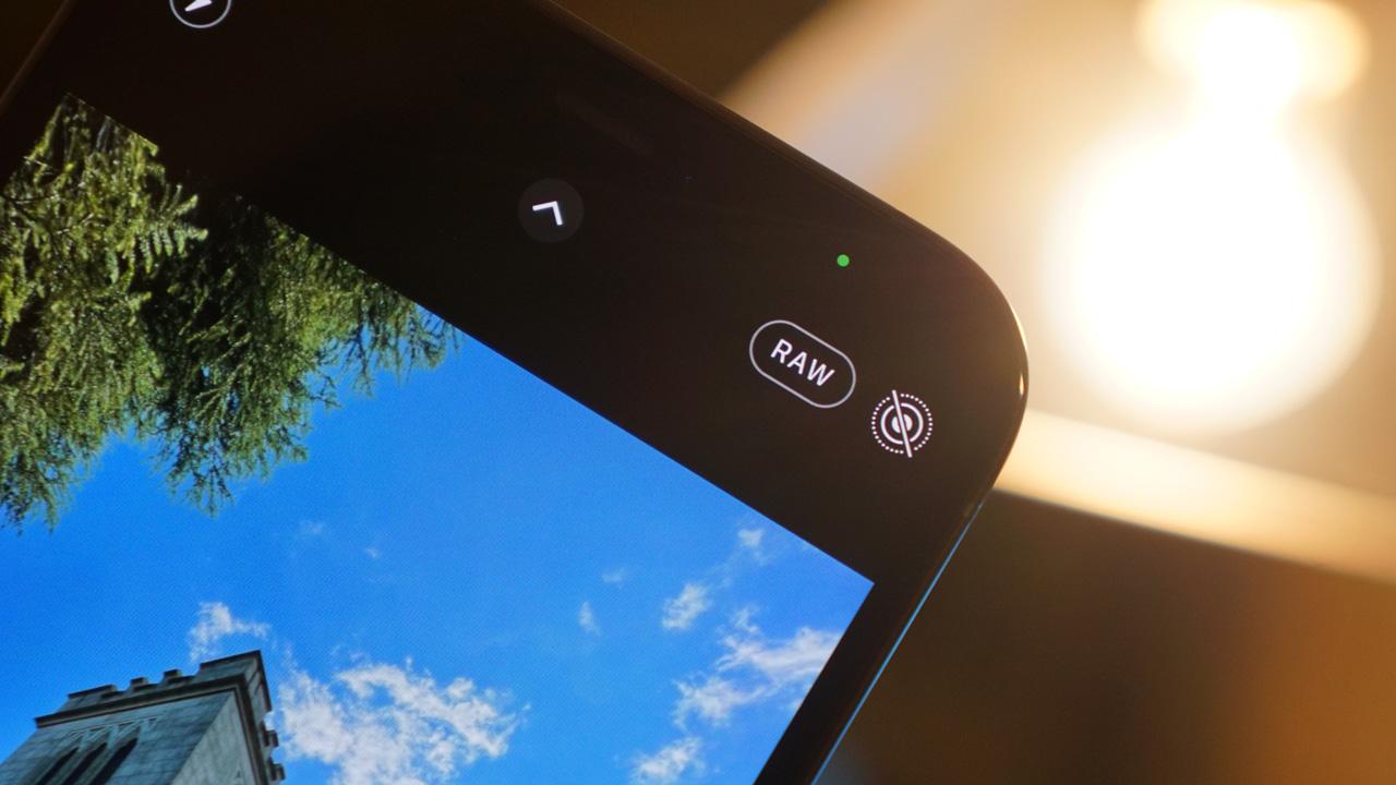 iPhoneの写真をApple ProRAWで撮る方法。使い方を解説