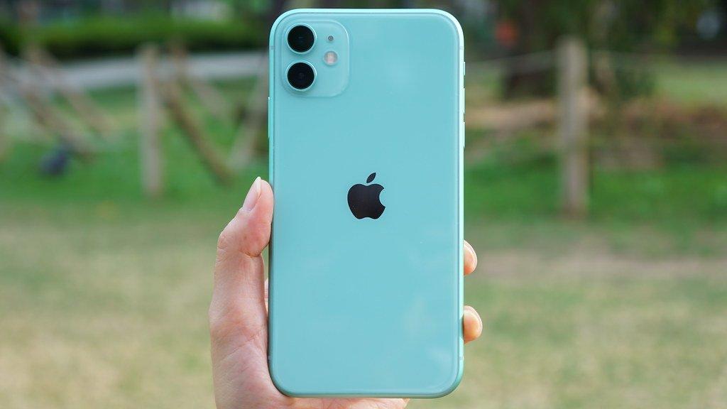 """iPhone 12、より高速な""""フル5G""""の発売日は2021年に?"""