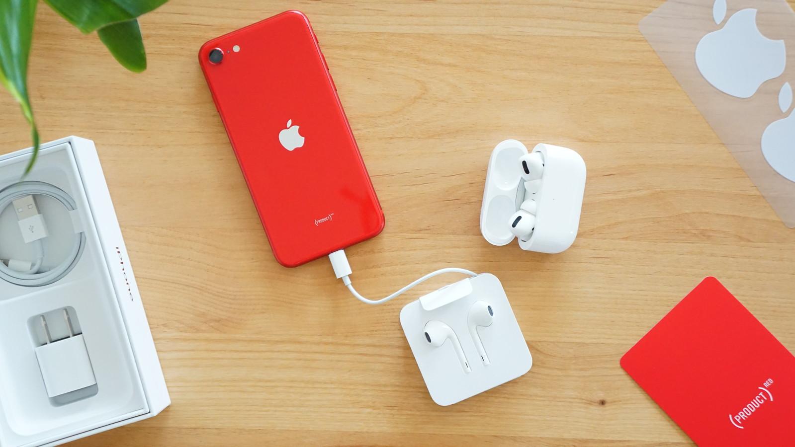 iPhone 12、価格維持のため充電器とイヤホンの同梱廃止か