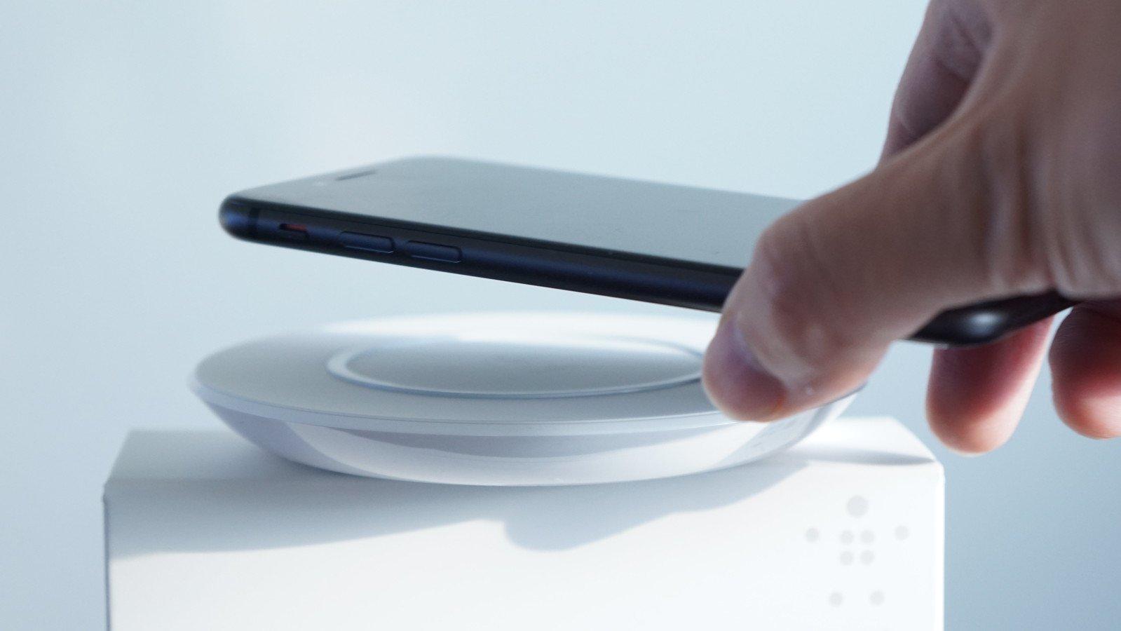 Apple、「MagSafe」ブランド復活か。iPhone向けワイヤレス充電器で