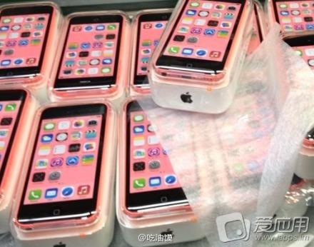 偽物っぽい?iPhone 5Cのパッケージ付属品がリーク