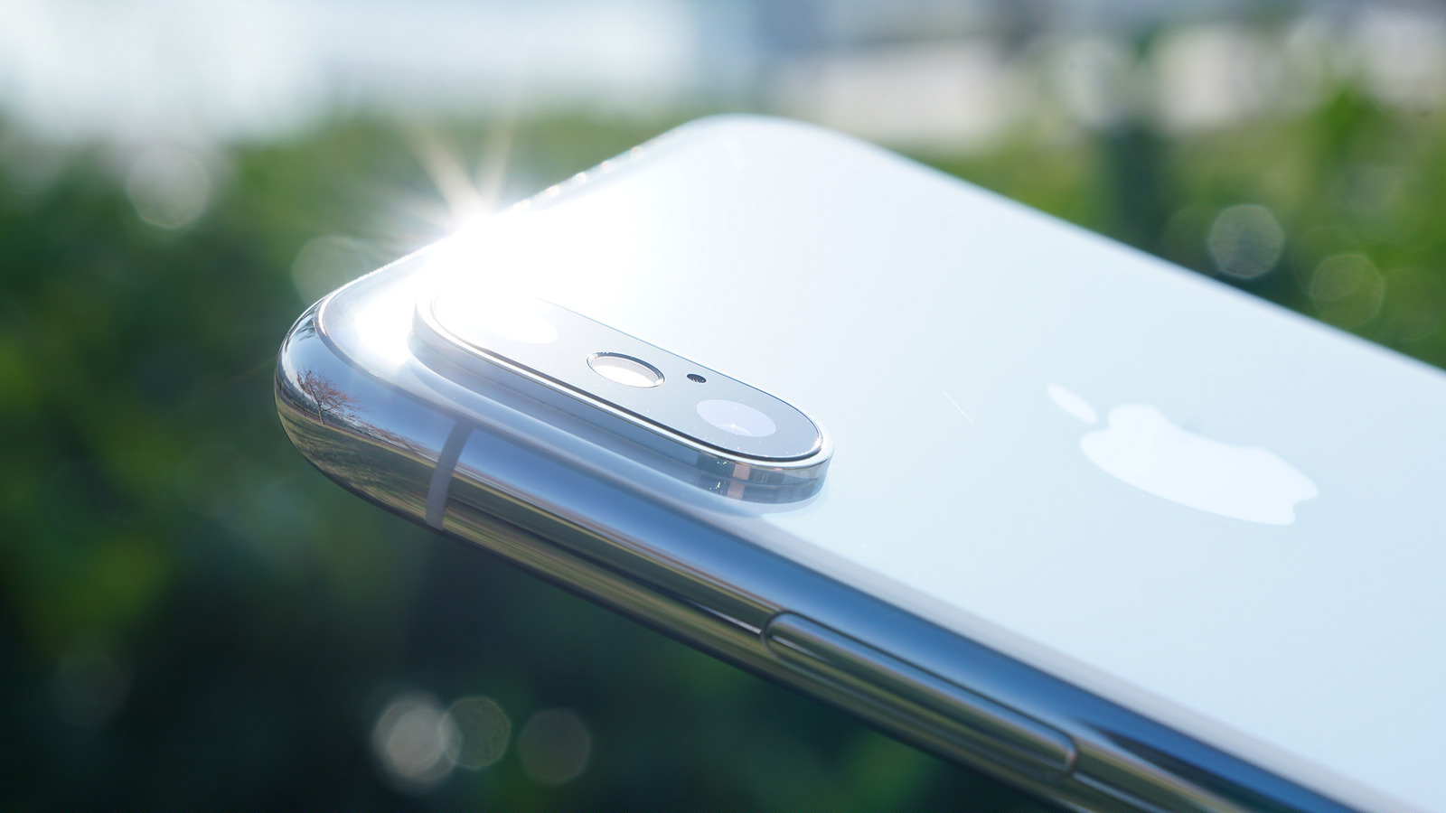 新型iPhone、2019年にトリプルレンズカメラを搭載か