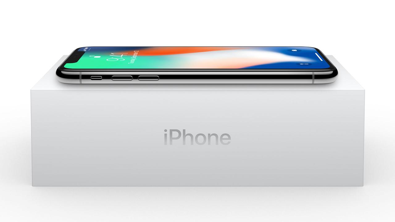 「iPhone X」が初出荷。ごくわずかな台数に