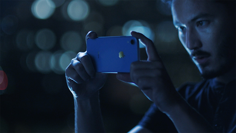 「iPhone XR」が発売。電池持ちに優れた低価格モデル
