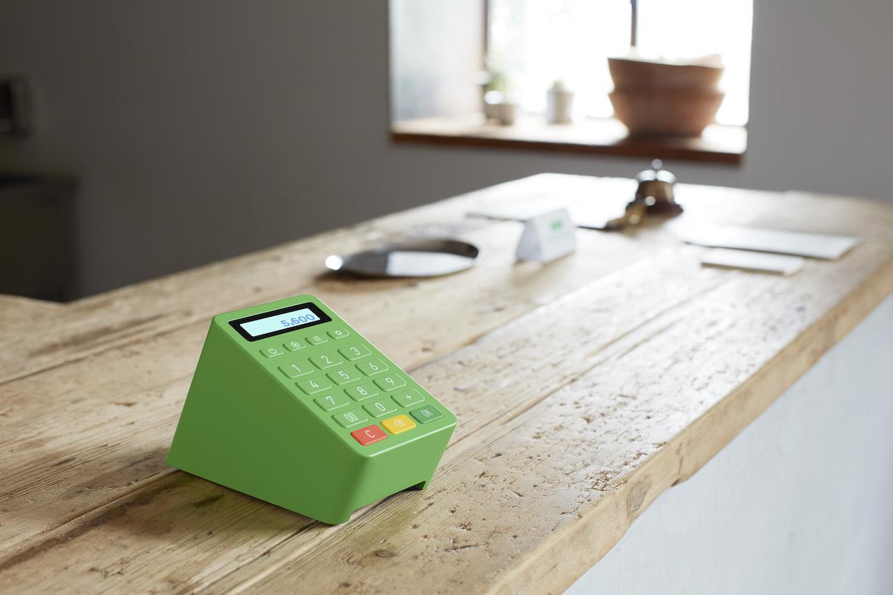 LINE Pay、オリジナル決済デバイスの月額料金は1,500円・6ヶ月間は無料に。申込受付スタート