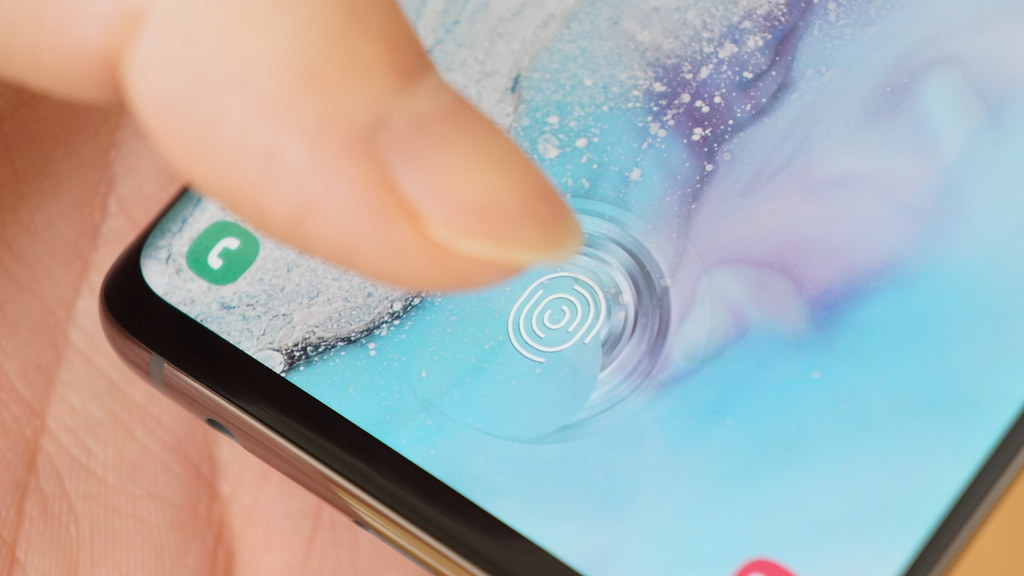 iPhone、2021年までにFace ID廃止?画面内蔵式でTouch ID復活か