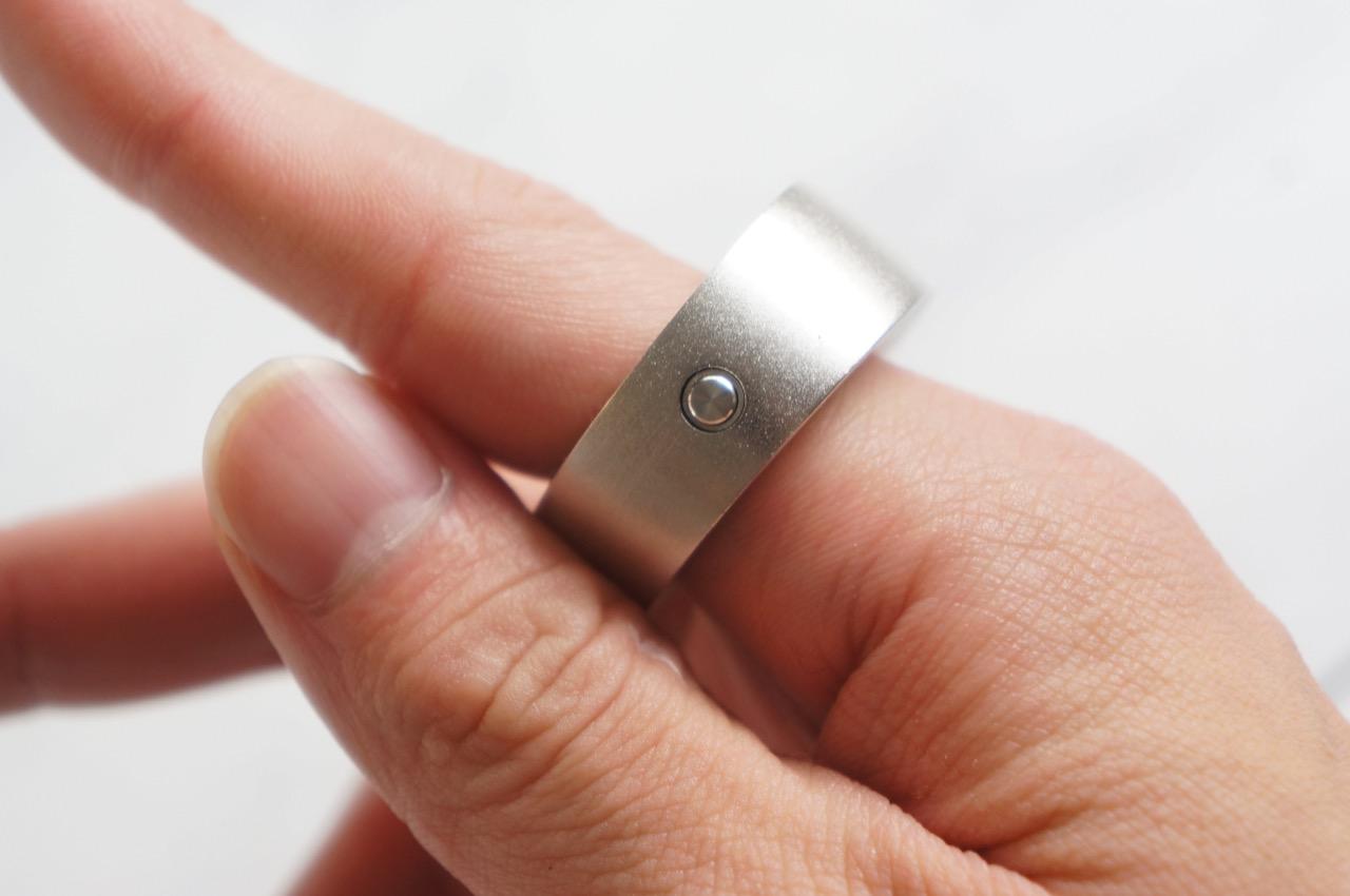 レビュー:指輪型のウェアラブルデバイス「Ring」で魔法は使えるか