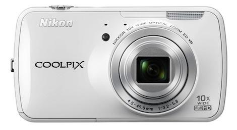 ニコン、Android を搭載したデジカメ「COOLPIX S800c」を発表。