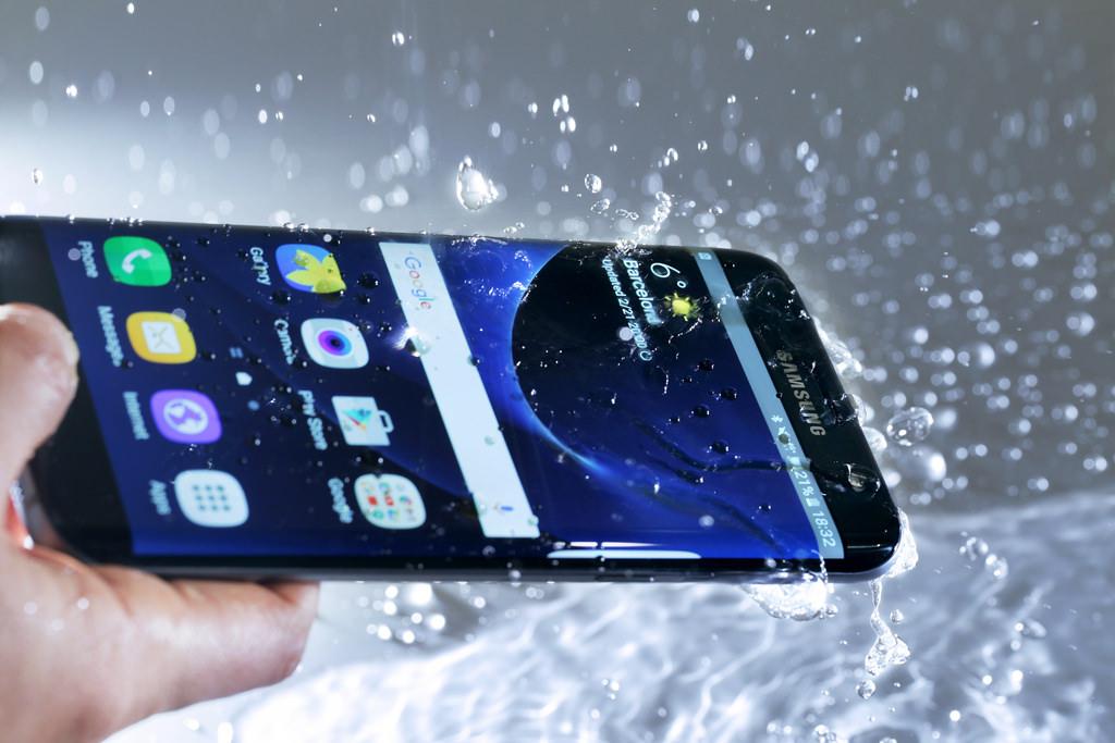 サムスン、「Galaxy S7 / S7 edge」を3月11日発売。防水復活・水冷ヒートパイプ搭載