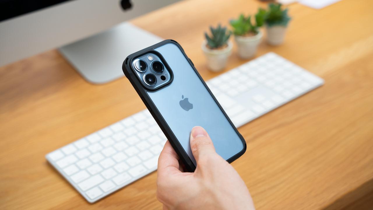 シンプルで使いやすい。Simplism iPhone 13向けスマホケースレビュー